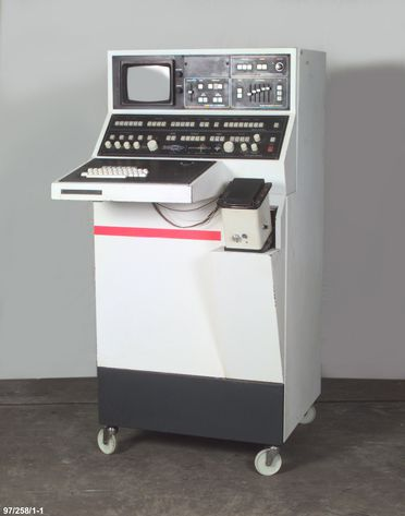 97/258/1 Ultrasound medical imaging system and accessories, UI Octoson, metal / plastic / electronic components, designed by Ultrasonics Institute, Chatswood, New South Wales, Australia, made by Lane Cove, New South Wales, Ausonics Pty Ltd, Australia, 1975