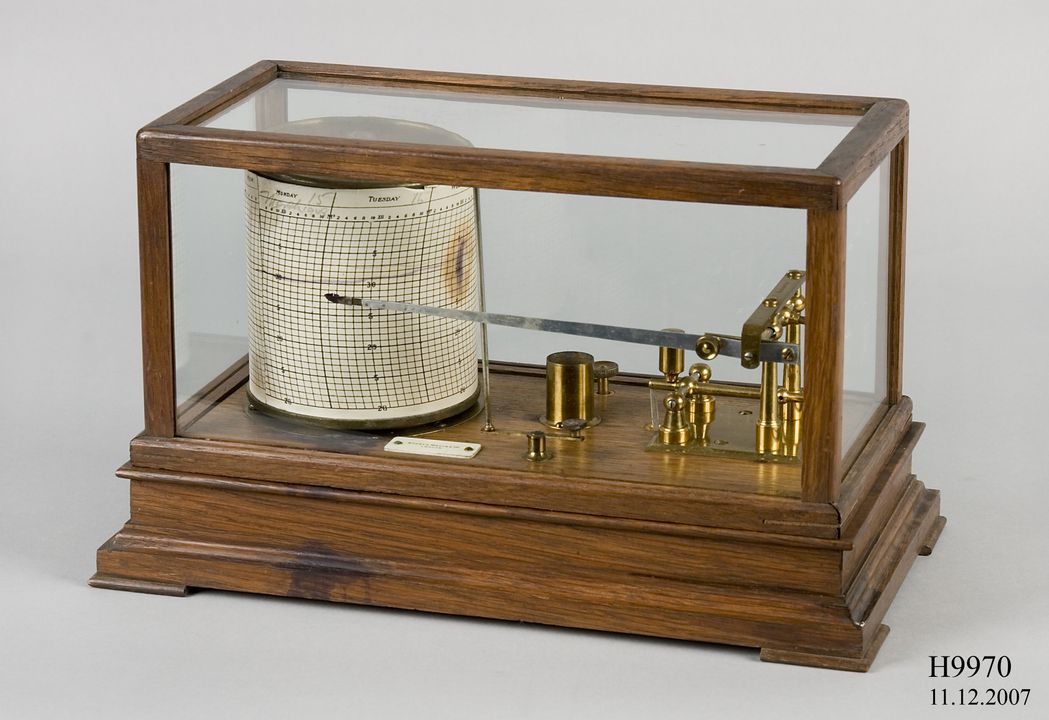H9970 Barograph, aneroid barometer, wood / glass / metal / paper, made by Short and Mason Ltd, London, England, 1875-1900, used at Sydney Observatory, New South Wales, Australia, 1875-1948. Click to enlarge.