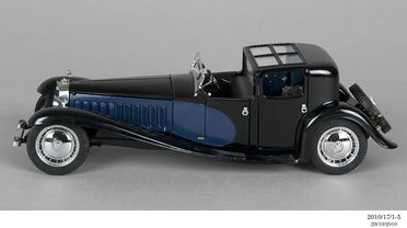 2010/17/1-5 Model car, 1930 Bugatti Royale Coupe Napoleon, plastic / metal, designed by Franklin Mint, Pennsylvania, United States of America, made in China, 1989, collected by Michael and Jan Whiffen, Woree, Queensland, Australia, 1983-2009
