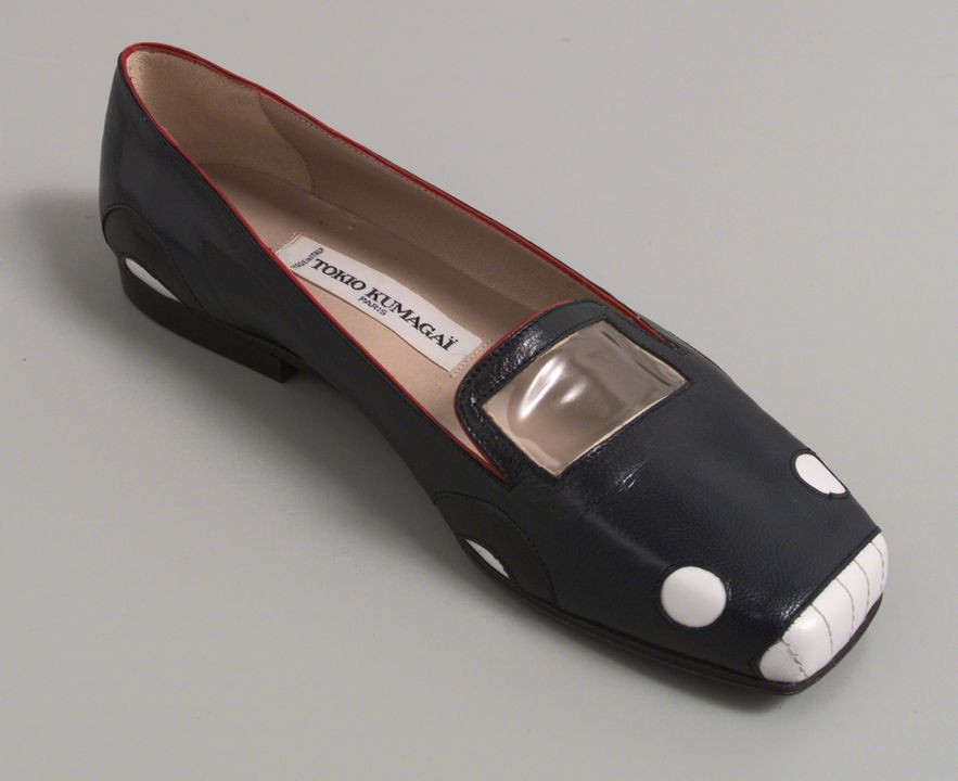 97/126/1 Slip on shoe, single, women's, 'Sportscar', leather/plastic/rubber, Tokio Kumagai, designed in Paris, made in Italy, 1984. Click to enlarge.