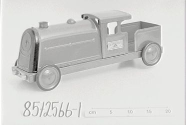 85/2566-1 Toy Tri-ang Express floor train, metal, Tri-ang brand made by Lines Brothers Ltd, England 1950