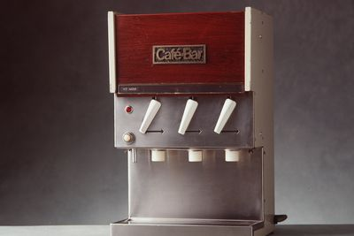 90/1050 Beverage dispensing machine, 'Cafe Bar Mini 3', metal / plastic / glass, made by Cafe Bar International, Australia, 1965-1970