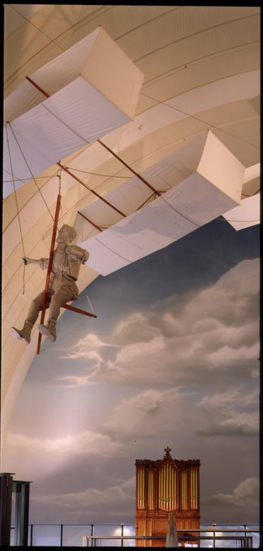 90/128 Reproduction box kite, Type A, wood / canvas, designed by Lawrence Hargrave 1894, made by Lionel Pitt, New South Wales, Australia, 1987
