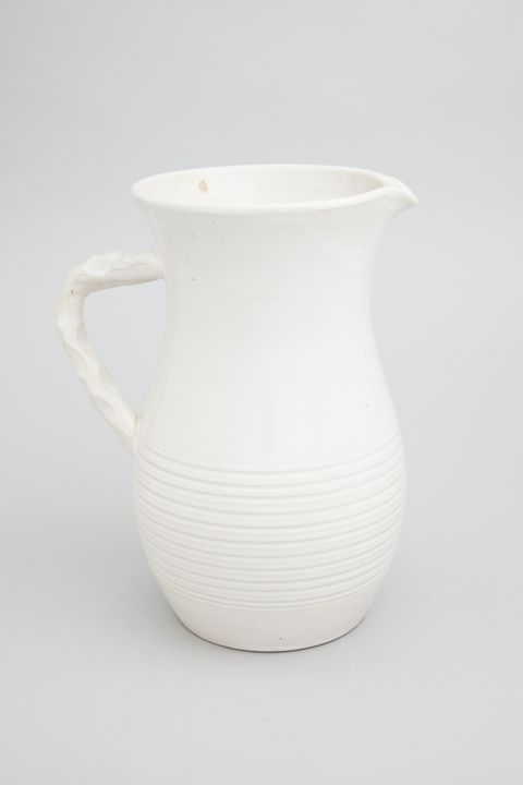 89/1064 Vase, earthenware, made by Bennett Pottery, South Australia, 1930-1940. Click to enlarge.