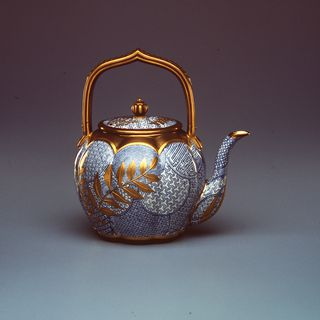 154 Teapot, porcelain, blue overglaze enamel and applied gilding in Japonisme style, made by Royal Worcester Porcelain Company Limited, Worcester, England, 1880