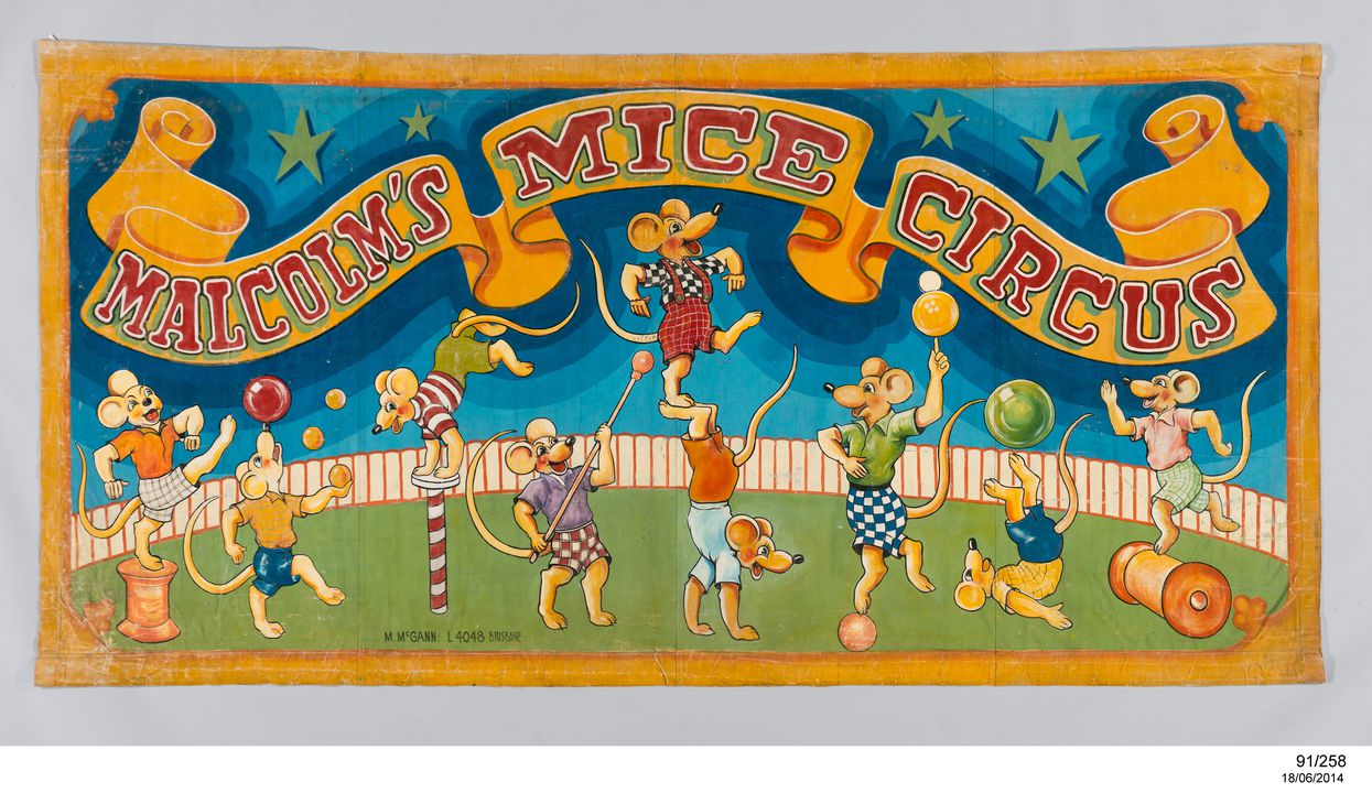 91/258 Banner, side show, 'Malcolm's Mice Circus', paint on canvas, Australia, 1950-1959. Click to enlarge.
