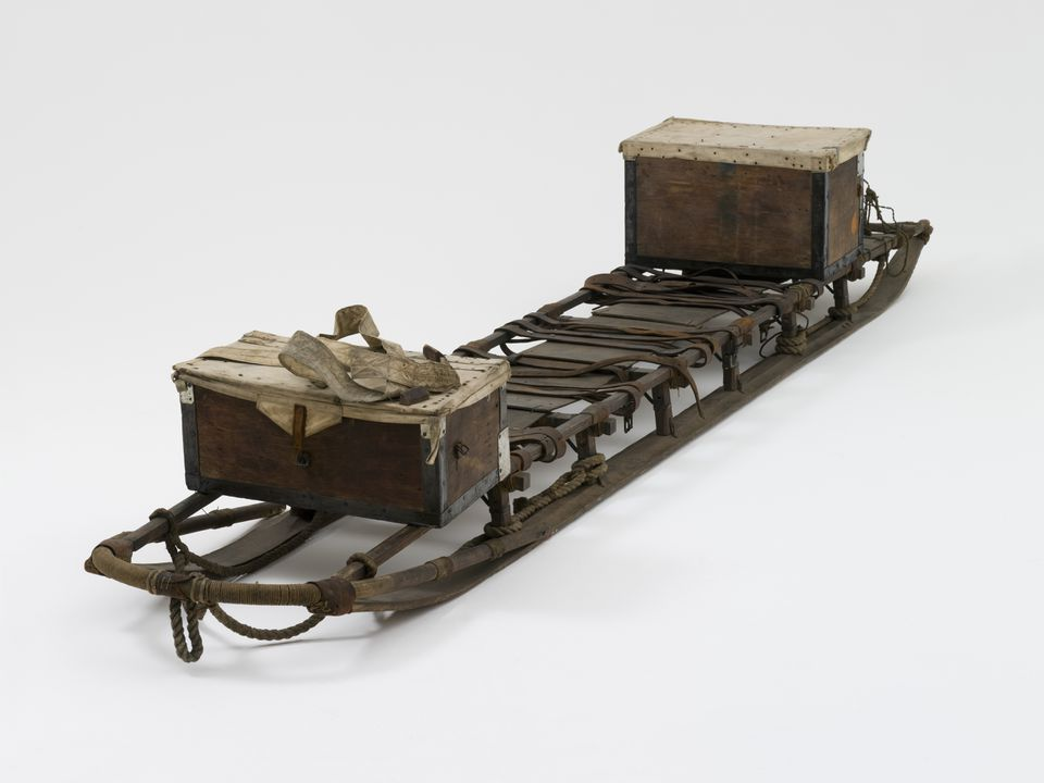 H8144 Sledge, full size, timber / metal / leather / natural fibre, made by L Hagen & Co, Kirkegaden 19, Christiania, Norway, 1911, used on the Australasian Antarctic Expedition led by Sir Douglas Mawson, Antarctica, 1911-1914. Click to enlarge.