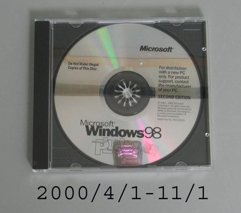 Windows 98 software on CD, for Xybernaut Mobile Assistant IV
