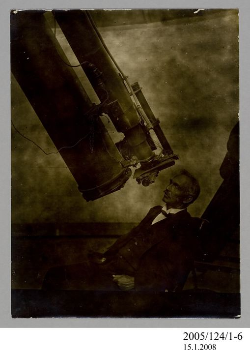 2005/124/1-6 Photograph, part of collection owned by James Short, sepia toned, W E Cooke with astrographic telescope, paper, photographer unknown, Sydney, New South Wales, Australia, possibly 1890. Click to enlarge.