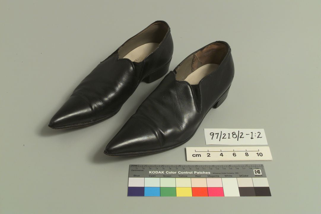 97/218/2 Shoes (pair), mens, winklepicker style, leather, made by Lancia, Italy, 1950-1960. Click to enlarge.