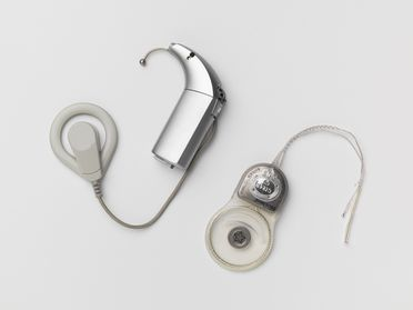 2003/134/2 Cochlear implant, Nucleus 24 Contour, metal / plastic, made by Cochlear Ltd, Lane Cove, New South Wales, Australia, 2003