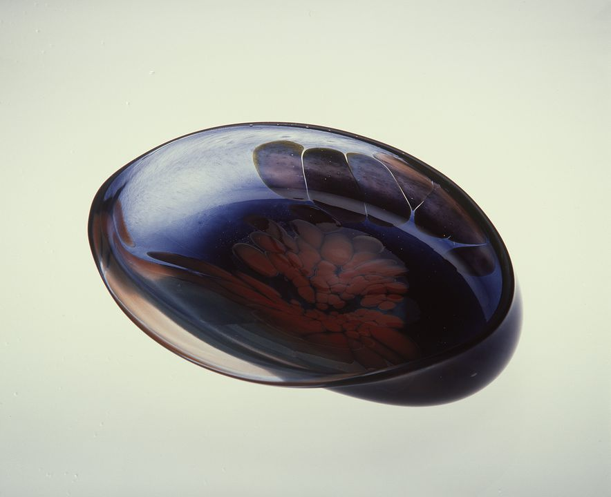 A9404 Glass form, 'Beauty Shell', glass, designed by Ivan Polak, hand-blown by Stan Melis, made at Jam Factory, Adelaide, South Australia, Australia, 1981. Click to enlarge.