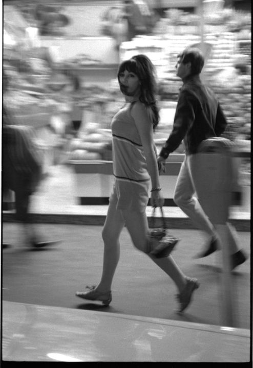 96/44/1-5/4/67/1 Negative, black and white, street scenes, for the book 'Sydney, A Book of Photographs', 35mm acetate film, David Mist, Sydney, New South Wales, Australia, 1969. Click to enlarge.