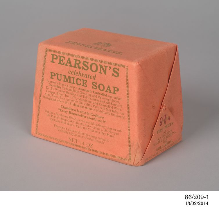 86/209 Sand soap (2), 'Pumice Soap', soap / paper, Pearson Soap Company, Revesby, New South Wales, Australia 1908-1939. Click to enlarge.