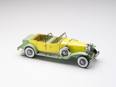 2010/17/1-3 Model car, 1930 Duesenberg Model J Tourer with Derham body, metal / plastic, designed by Franklin Mint, Pennsylvania, United States of America, made in China, 1987, collected by Michael and Jan Whiffen, Woree, Queensland, Australia, 1983-2009