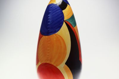 2005/66/3 Vase, ceramic with hand-painted decoration, designed by Susie Cooper, made by A E Gray & Co. (Gray's Pottery), Stoke-on-Trent, Staffordshire, England, 1925-1929