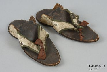 H4448-4 Clog overshoes (pair), part of the Joseph Box collection, womens, silk / leather / wool / timber / metal, maker unknown, England, 1760-1770