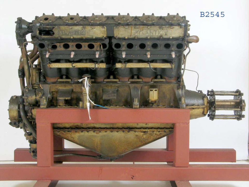 B2545 Aircraft engine, Galloway Atlantic V12, 500 hp, WWI aero engine, serial number 163, RAF serial number 46262, water cooled, 12 cylinders, made by Galloway Engineering Co Ltd, Tongland, Kirkcudbrightshire, Scotland, 1918. Click to enlarge.