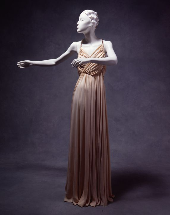 96/386/2 Evening dress, bias cut, silk jersey, designed by Madeleine Vionnet, Paris, France, c.1930. Click to enlarge.