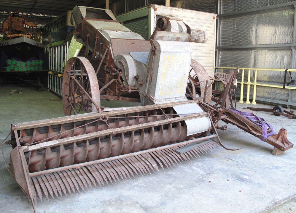 B2400 Header-harvester, ground drive, full size, 'Sunshine', made by H.V. McKay Pty Ltd, Sunshine Harvester Works, Sunshine, Victoria, Australia, 1935, used by the Hyland and Stapleton families of Cudal, New South Wales, Australia,. Click to enlarge.