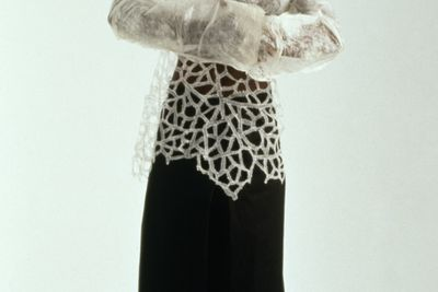 2002/86/1 Shirt, mens, 'Shiro Kuro', fused fibre fabric with machine embroidered lace border / unprocessed silk fibre and rayon thread, Anne Farren, Western Australia, 2001