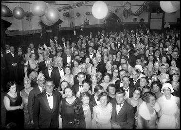 94/63/1-7/7 Glass negative, half plate, Bondi Amateur Swimming Club Ball or Balmain Christian Brothers Old Boys Dance at Mark Foy's Empress Ball Room Tom Lennon, Sydney, Australia, 29 June or 12 July 1932