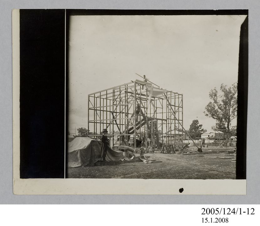 2005/124/1-12 Photograph, part of collection owned by James Short, black and white, astrograph telescope within building frame at Goondiwindi, paper, photographer unknown, Goondiwindi, Queensland, Australia, 1922. Click to enlarge.