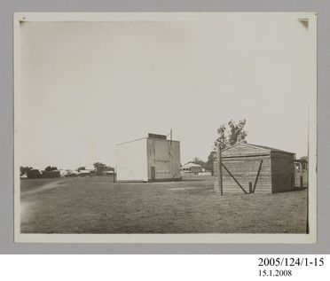 2005/124/1-15 Photograph, part of collection owned by James Short, black and white, temporary observatory at Goondiwindi, paper, photographer unknown, Goondiwindi, Queensland, Australia, 1922