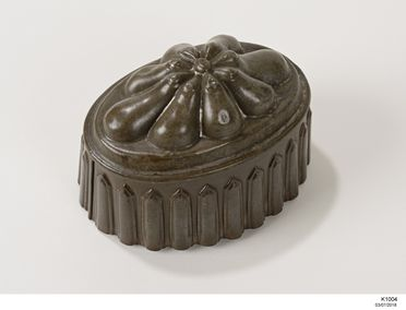 K1004 Jelly mould, tinplate / copper, maker unknown, Pennsylvania, United States of America, 1875-1900