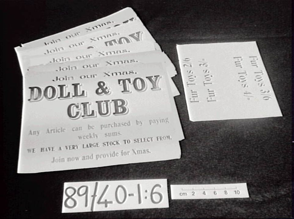 89/40 Signs (6), 'Doll & Toy Club', Christmas, paper, maker not recorded, Sydney, New South Wales, Australia, 1918-1939. Click to enlarge.
