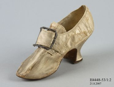 H4448-53 Buckle shoe with buckle, part of Joseph Box collection, womens, silk / leather / silver / steel, maker unknown, England, c. 1760-1769