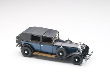 2010/17/1-2 Model car, 1929 Rolls-Royce Phantom 1 Cabriolet De Ville, 1:24 scale, die-cast metal, designed by Franklin Mint, Pennsylvania, United States of America, made in China, collected by Michael and Jan Whiffen, Woree, Queensland, Australia, 1983-2009