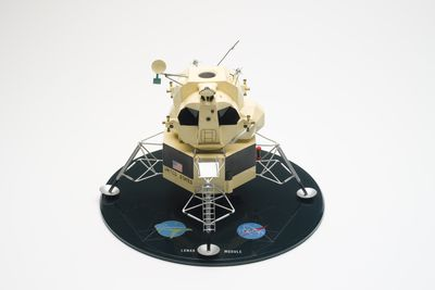 B1729 Lunar module model, NASA's Apollo 9 spacecraft, metal / plastic / textile, made by Grunman Aircraft Engineering Corporation, Long Island, New York, United States of America, 1968