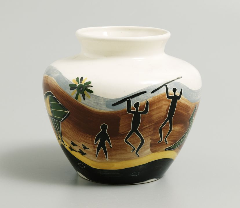 2003/140/1 Vase, earthenware, hand-painted, made by Nixon Pottery, Sydney, New South Wales, Australia, 1950s.. Click to enlarge.