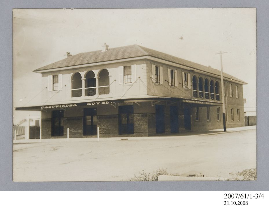 2007/61/1-3/4 Photographic print, black and white, exterior of Canowindra Hotel, Canowindra, New South Wales, Australia, c.1928. Click to enlarge.