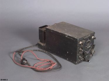 B1495-3 Radio receiver, Catalina flying boat, 'Frigate Bird II', metal / canvas / glass, made by General Electric, Schenectady, New York, United States of America, 1940, used on pioneering flight Australia-Chile, by P G Taylor, 1951