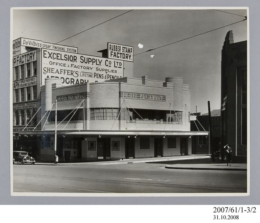 2007/61/1-3/2 Photographic print, black and white, exterior of Hotel Broadway, Chippendale, E A Bradford, Sydney, New South Wales, Australia, c.1936. Click to enlarge.