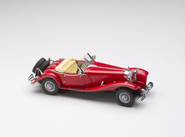 2010/17/1-11 Model car, 1935 Mercedes-Benz Model 500K Special Roadster, plastic / metal, designed by Franklin Mint, Pennsylvania, United States of America, made in China, 1983, collected by Michael and Jan Whiffen, Woree, Queensland, Australia, 1983-2009