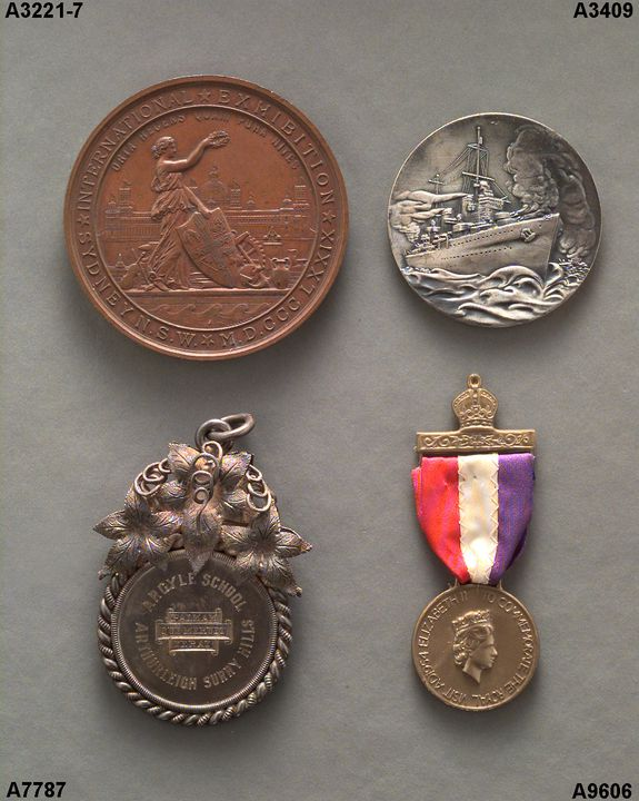 """A3409 Replica of medal placed in H.M.A.S. """"Sydney"""" to commemorate victory over """"Bartolomeo Colleoni"""", 17th July, 1940.(SB).. Click to enlarge."""