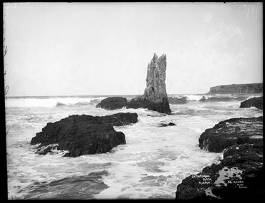 85/1284-31 Glass plate negative, full plate, 'Cathedral Rock, Kiama', Kerry and Co, Sydney, Australia, c. 1884-1917