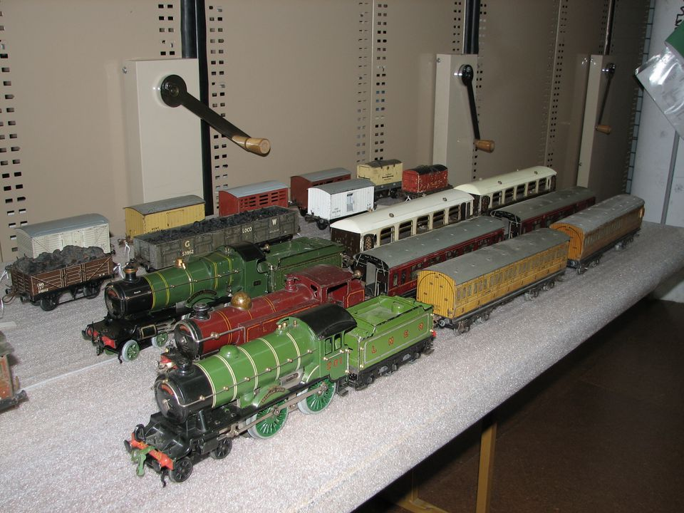 85/2582 Collection of toy locomotives and tenders (54), for Hornby train series, metal / cardboard / paper / plastic, made by Meccano Ltd, Liverpool, England, 1921-1960. Click to enlarge.