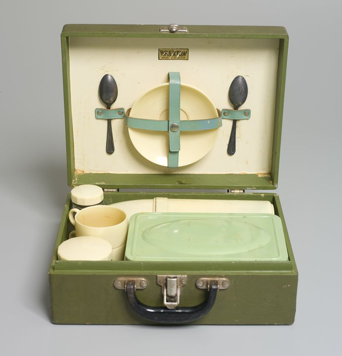 2010/87/1 Picnic case and contents, Rexine cloth / metal / plastic / glass, made by Brexton, England, 1950s, used in Australia, 1950-1989. Click to enlarge.