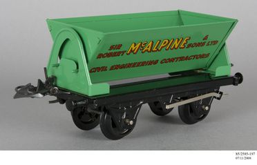 85/2585 Toy goods wagons (119), tinplate, Hornby, England, 1924-1964