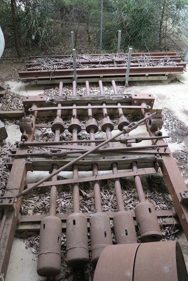 2001/1/1 Stamper battery/ stamp mill, five head (No. 123), metal / timber, P N Russell and Company, Sydney, Australia, 1872