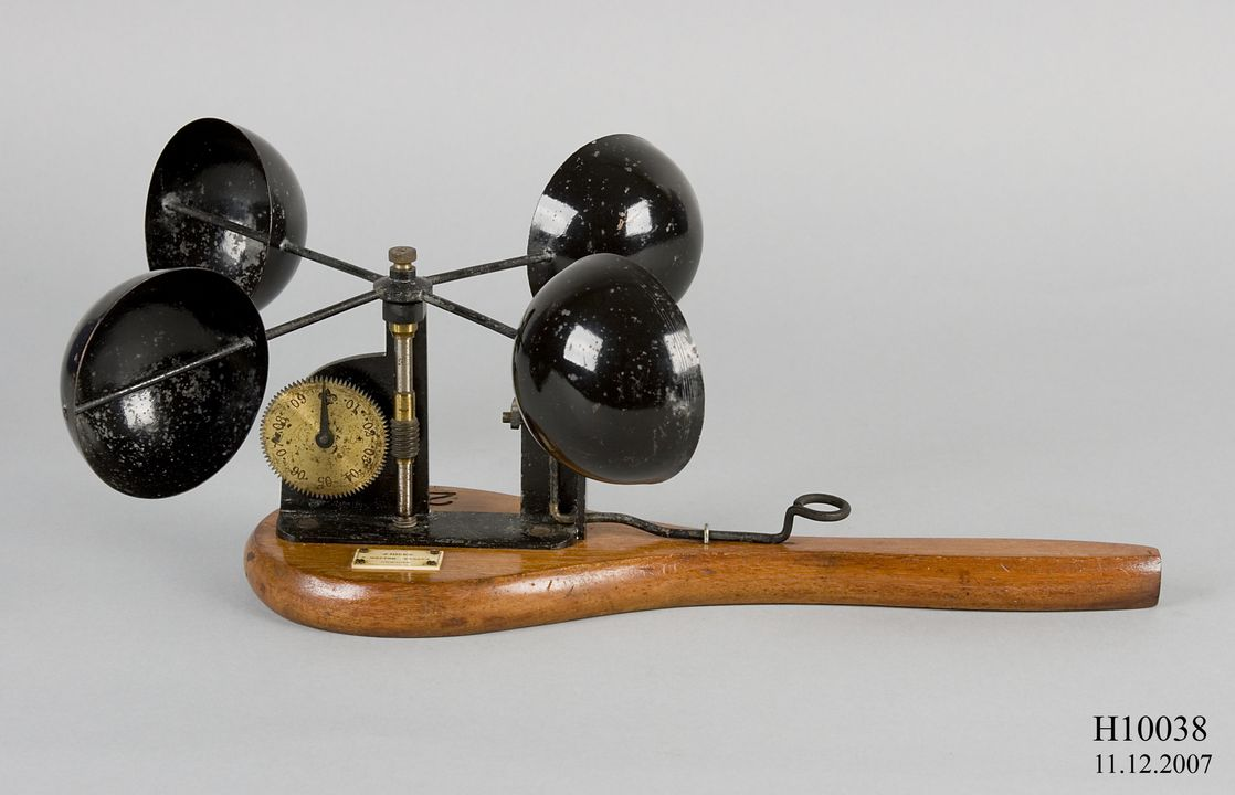 H10038 Anemometer, Robinson's anemometer, metal / wood / paper, made by J Hicks, London, England, 1875-1885 used by Sydney Observatory, Sydney, New South Wales, Australia. Click to enlarge.