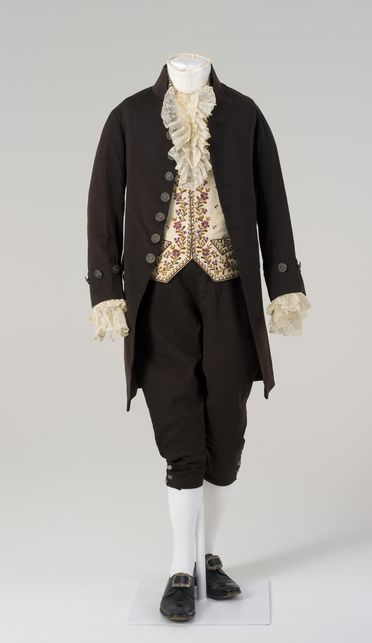 86/1008 Court suit with accessories, mens, various materials, possibly made by Robinson, Florence, Italy, worn by Captain William Hilton Hovell, Florence, Italy, 1856