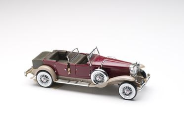 2010/17/1-4 Model car, 1930 Duesenberg Model J Tourer with Derham body, metal / plastic, designed by Franklin Mint, Pennsylvania, United States of America, made in China, 1987, collected by Michael and Jan Whiffen, Woree, Queensland, Australia, 1983-2009
