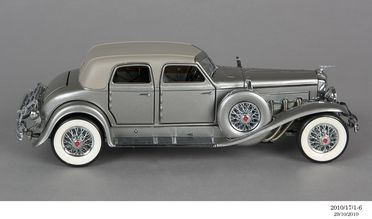 2010/17/1-6 Model car, 1933 Duesenberg SJ 'Twenty Grand', plastic / metal, designed by Franklin Mint, Pennsylvania, United States of America, made in China, 1989, collected by Michael and Jan Whiffen, Woree, Queensland, Australia, 1983-2009