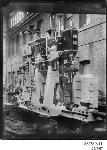 88/289-11 Photographic glass plate negative, depicting the 520 hp, triple expansion, marine steam engine built by Clyde Engineering Pty Ltd, Granville, New South Wales, Australia, for the Sydney Harbour steam ferry 'Koree' launched in 1902