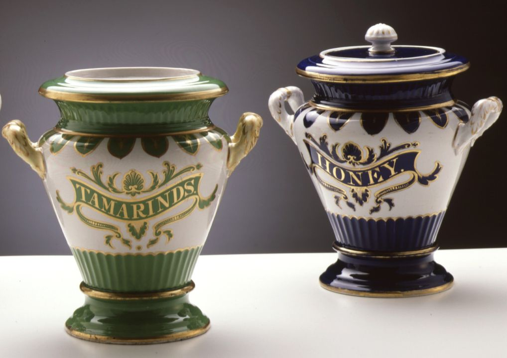 A8636 Storage jars (2), 'Tamarinds' and 'Honey', ceramic / gilt, maker unknown, England, 1875-1899. Click to enlarge.